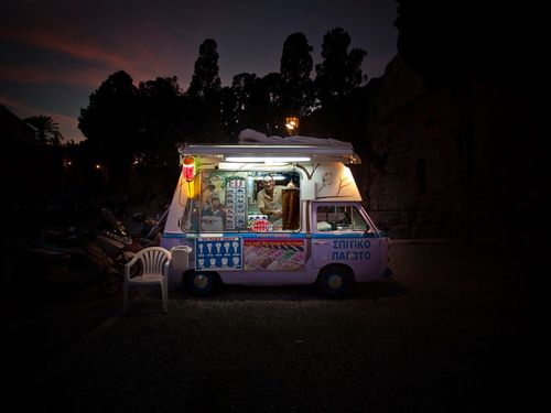 Ice-cream-truck-greece_35951_990x742